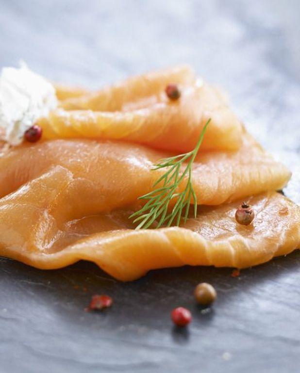 Tartare de saumon fumé sur lit de courgettes