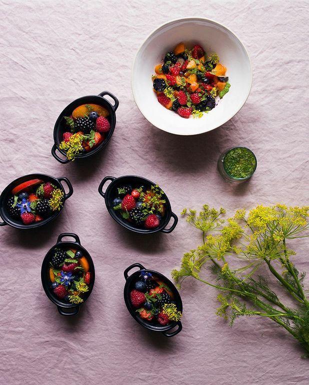 Tartare fruits rouges, abricots et menthe