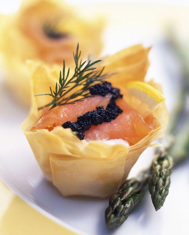 Tarte feuilletée au saumon et baies roses