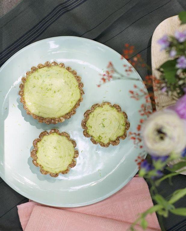 Tartelettes vegan avocat citron vert noix de coco
