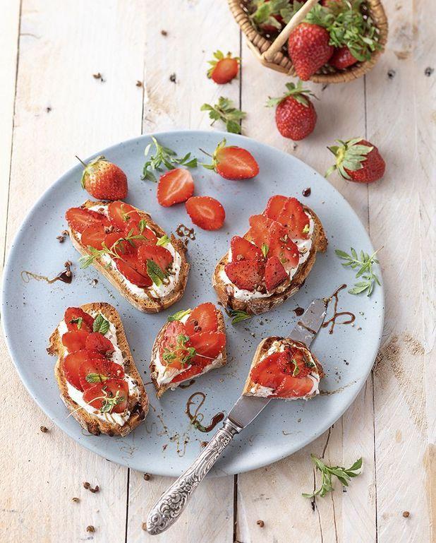 Tartines fraises-fromage frais