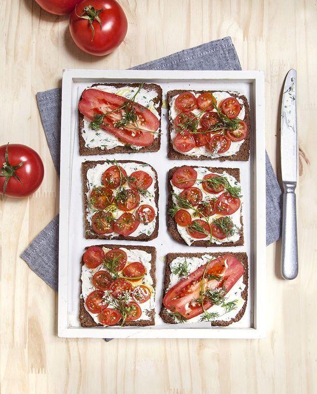 Tartines tomate et cream cheese