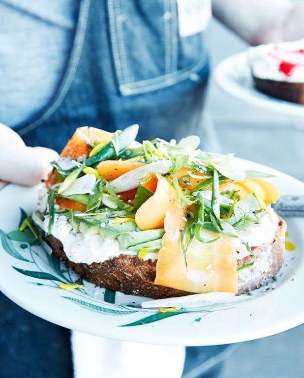 Toast de légumes aux herbes