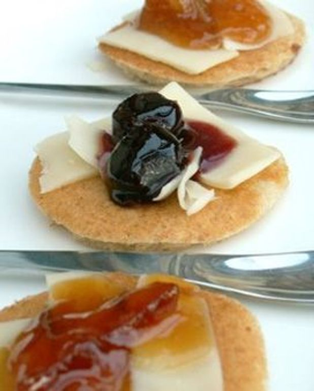 Trio de mini-blinis de sarrasin au fromage Appenzeller AOC