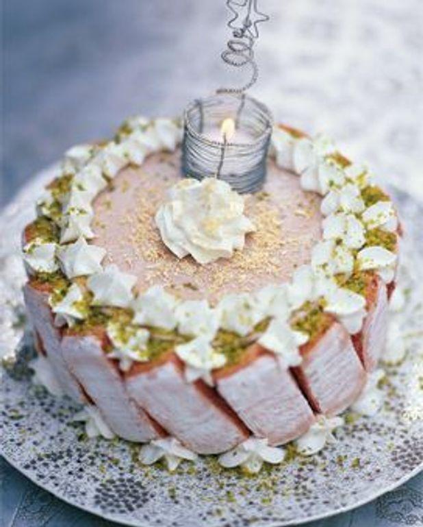 Vacherin glacé aux biscuits roses de reims