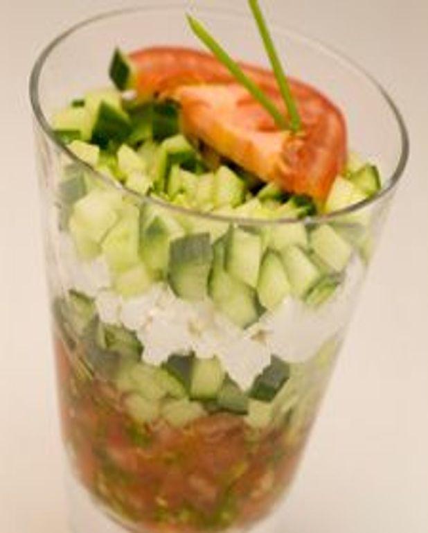 Verrine de tomate, ricotta et concombre