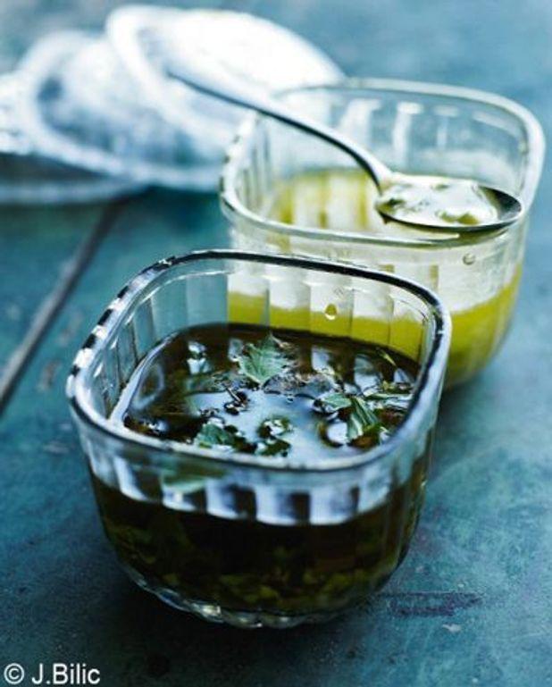 Vinaigrette de sel de sésame-groseilles