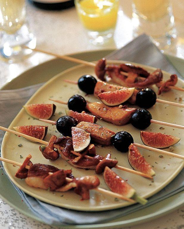 Brochettes de foie gras aux raisins