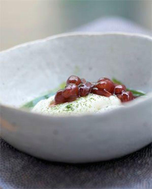 Yukimidori ou tofu à la pâte de haricot rouge et au coulis matcha