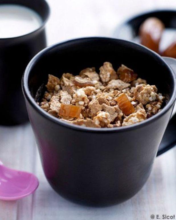 Baby-muesli au lait et dattes (dès 9 mois)
