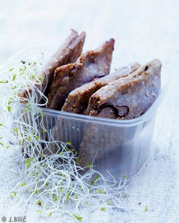 Chausson seitan-épinards, pousses de haricots mungo