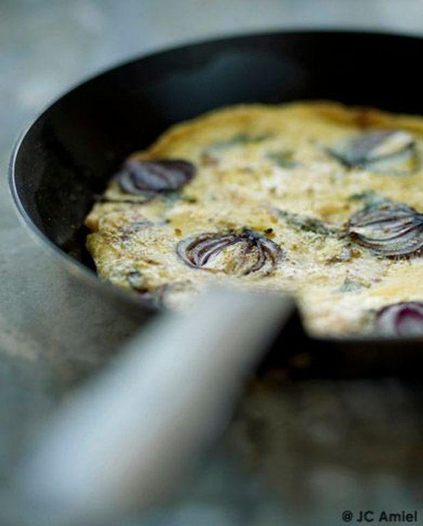 Tortilla oignon rouge et aneth (sans la retourner)