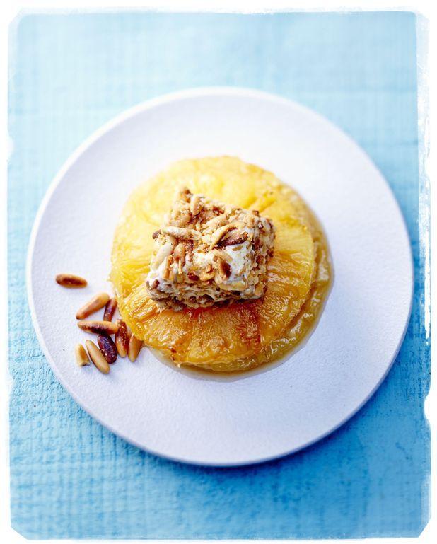 Ananas et glace aux pignons