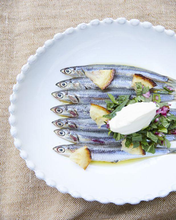 Anchois marinés, citron grillé, salsa d'herbes