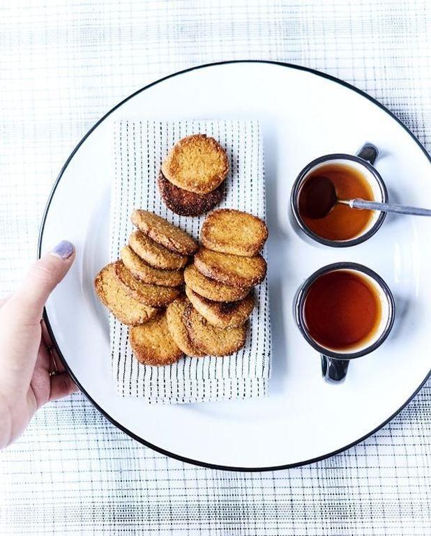 Biscuits au sésame et au miso blanc