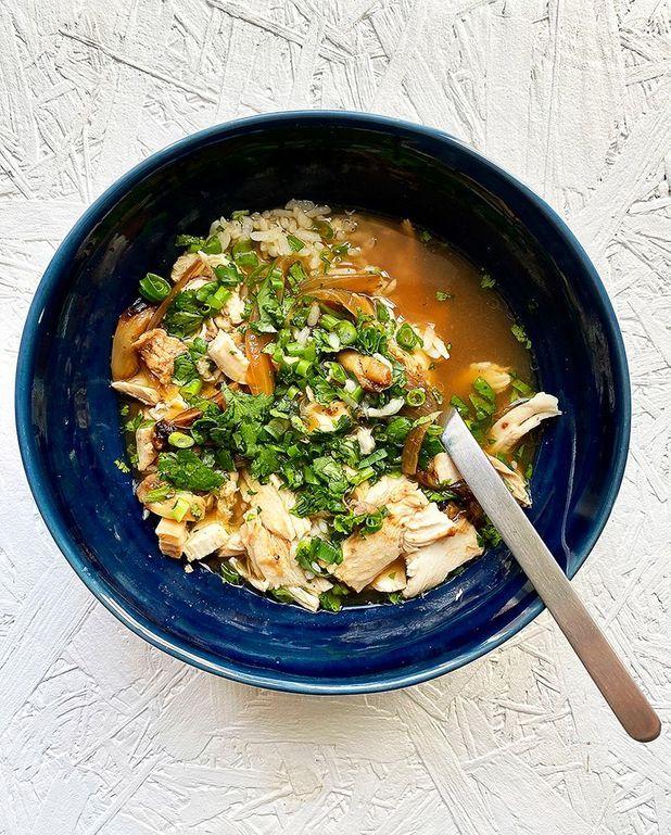 Bouillon, riz et poulet à l'asiatique