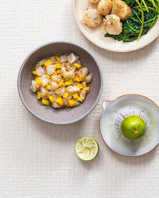 Ceviche de saint-jacques, mangue et piment