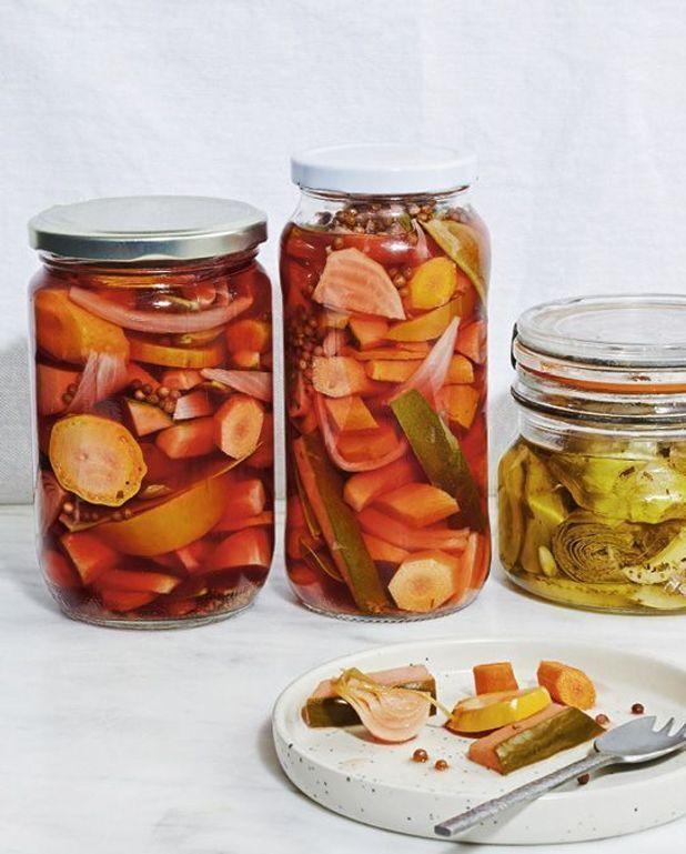 Conserve de pickles de légumes