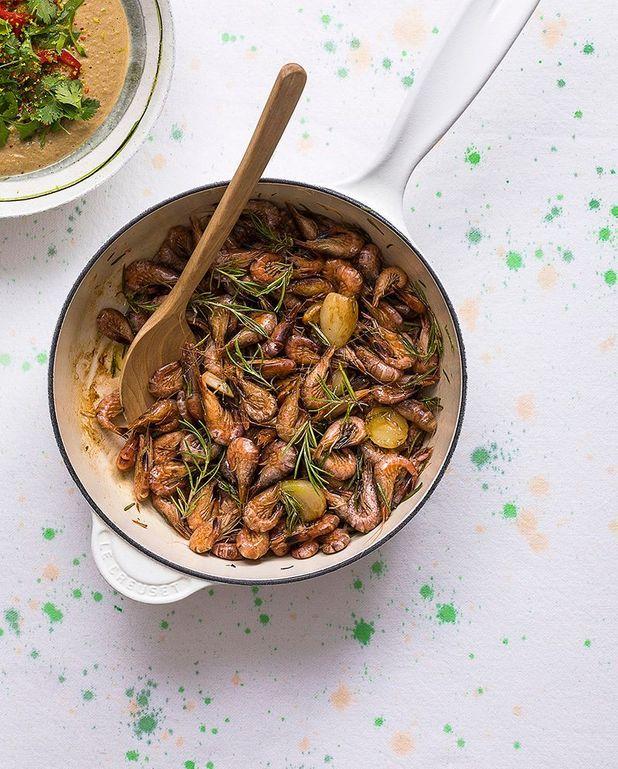 Crevettes grises sautées à l'ail et au romarin