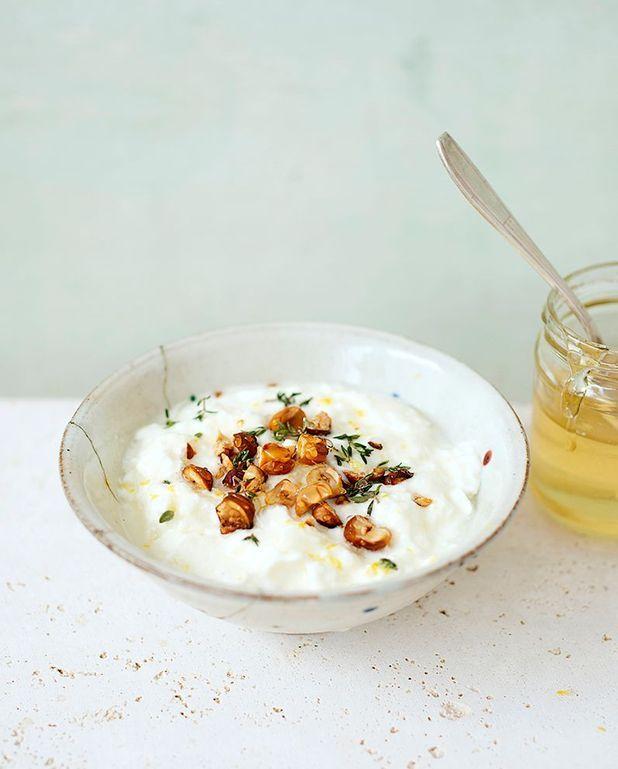 Faisselle aux noisettes et miel