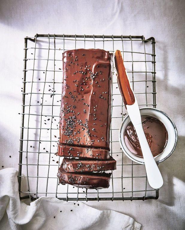 Gâteau au chocolat noir et sésame noir