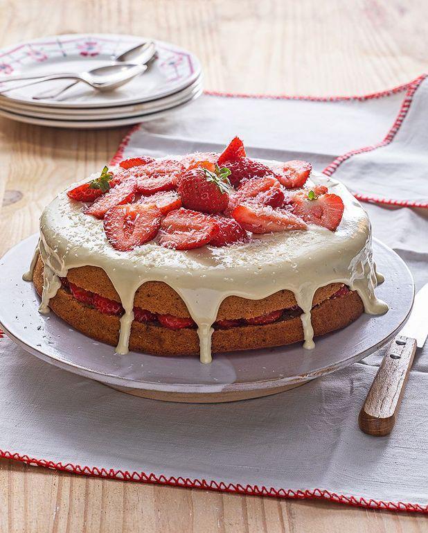 Gâteau betterave, coco, fraise et chocolat blanc