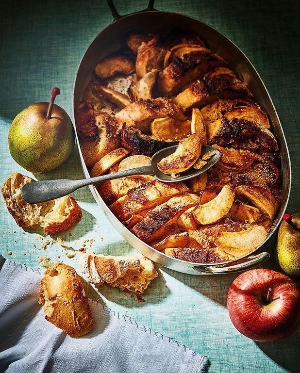 Gâteau de pain perdu aux pommes et aux poires