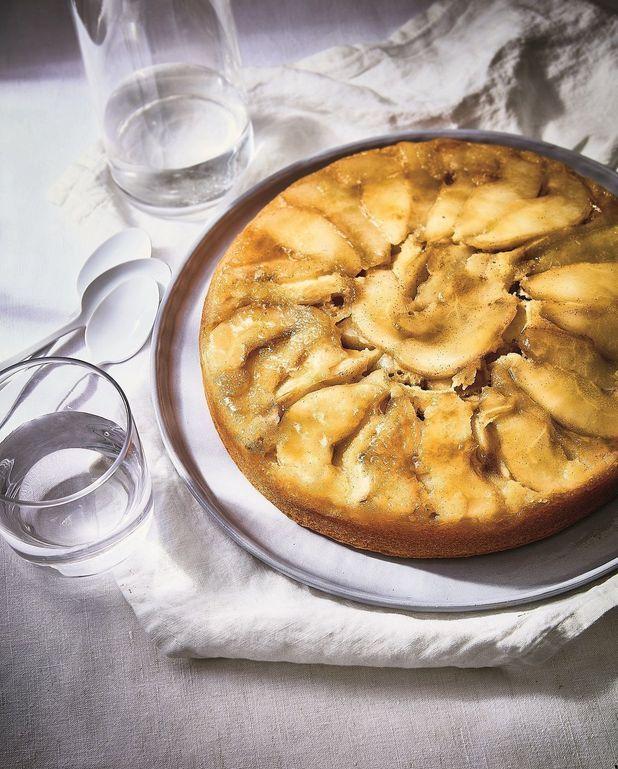 Gâteau fondant aux poires et à la cardamome