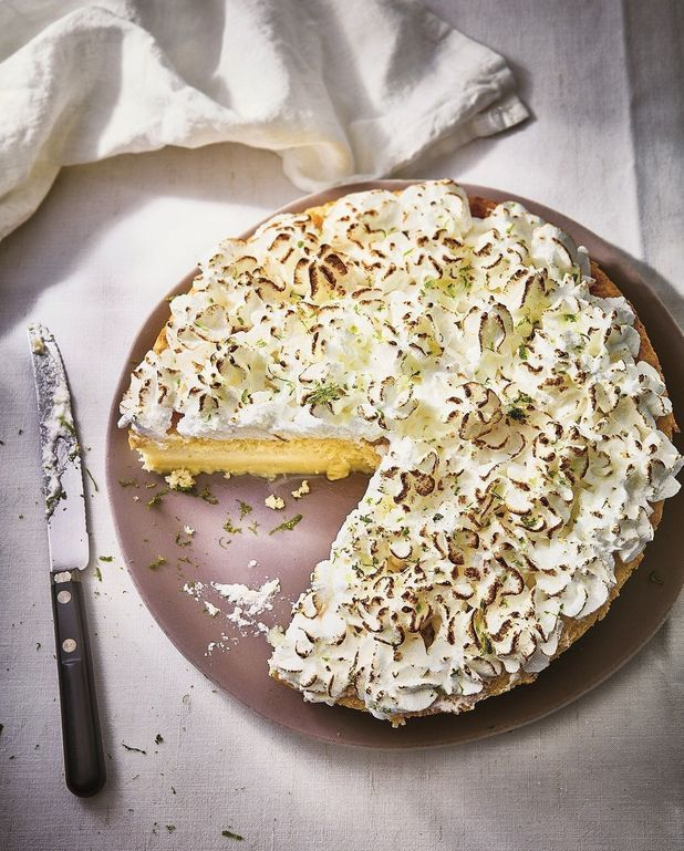 Gâteau magique comme une tarte au citron meringuée