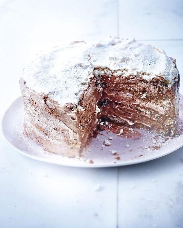 Gâteau meringué chocolat, noisettes et café