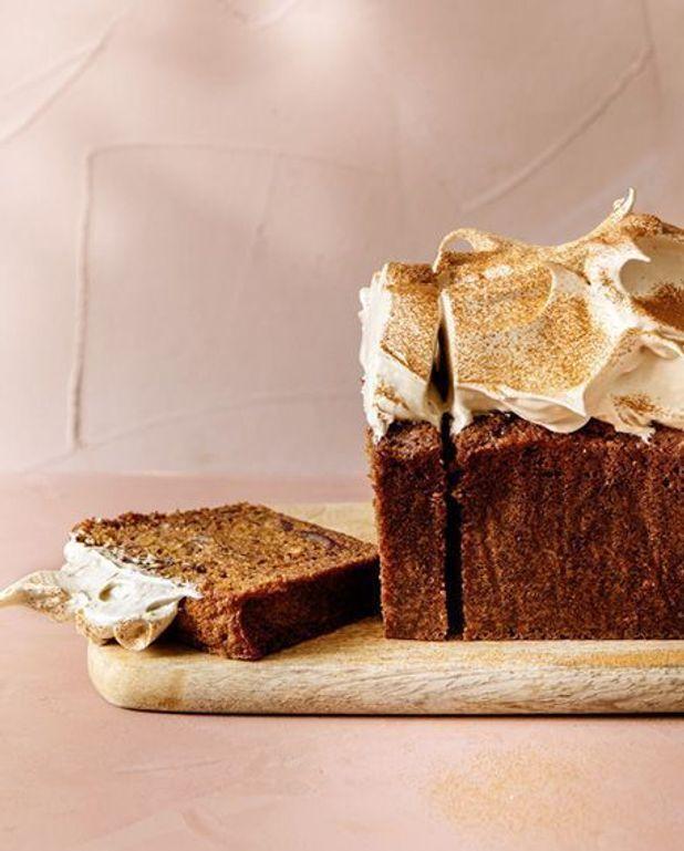 Gâteau moelleux dattes et café, meringue café