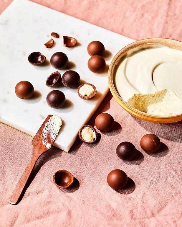 Petits œufs au chocolat, mousse au chocolat blanc