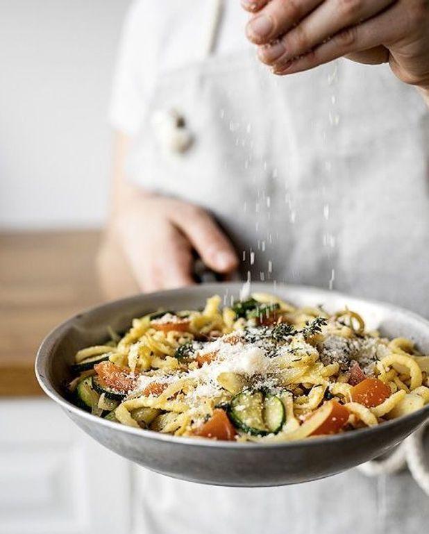 Poêlée de spätzle aux légumes et parmesan