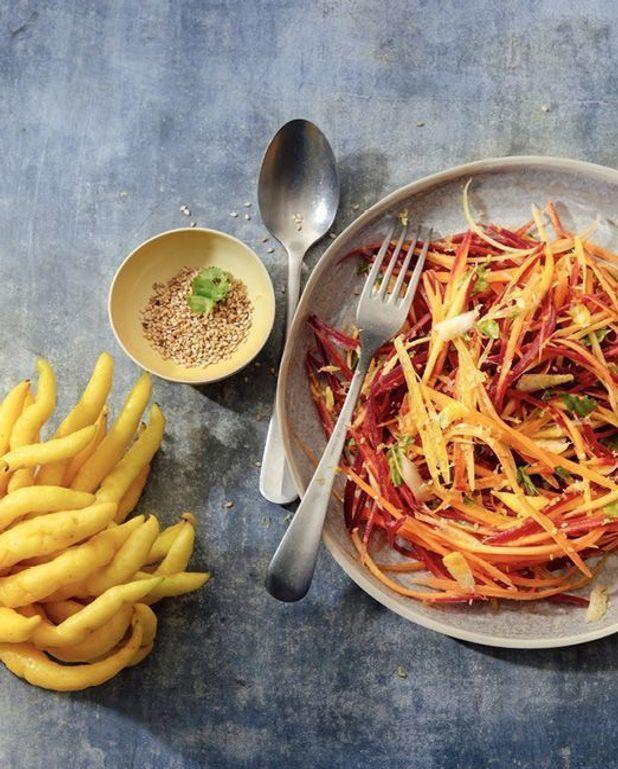 Salade de carottes à la main de bouddha
