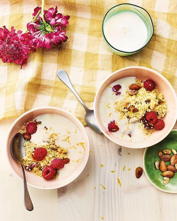 Salade de couscous à l'eau de fleur d'oranger, fruits secs et lait ribot