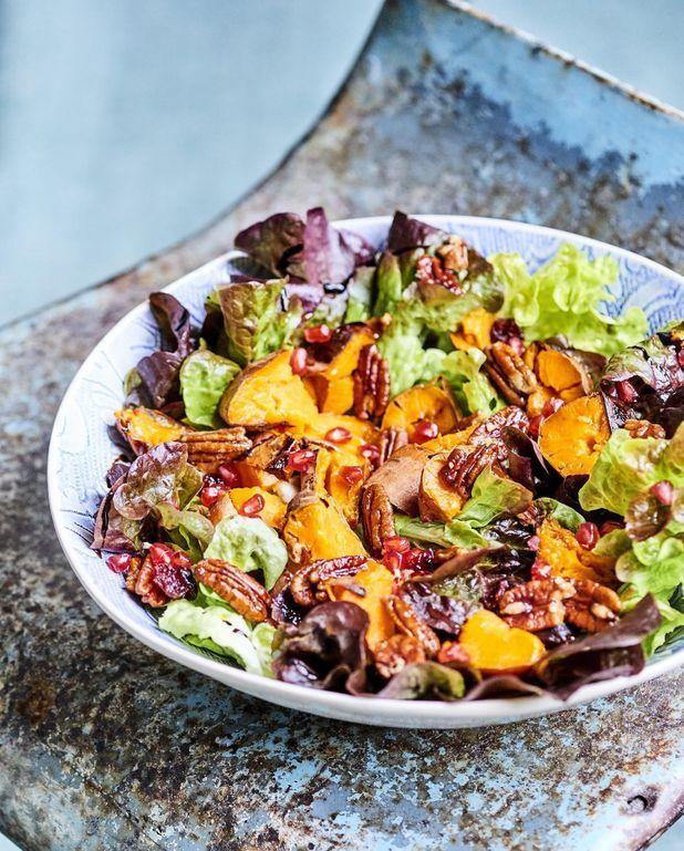 Salade de patates douces rôties aux noix de pécan caramélisées