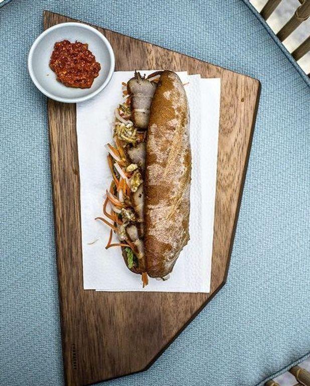 Sandwichs de poitrine de porc aux épices