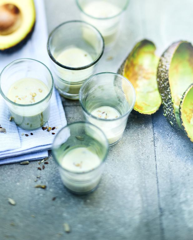 Smoothie au lait de chanvre et avocat