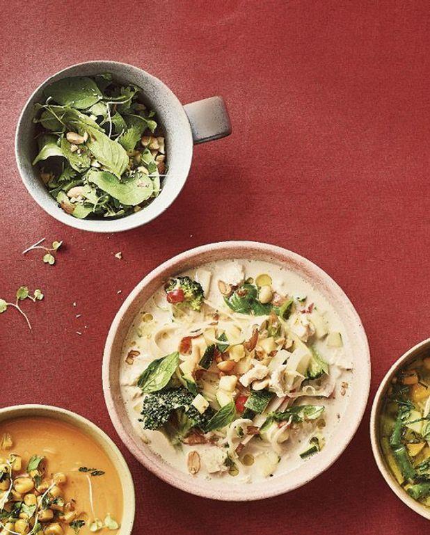 Soupe express nouilles de riz, poulet, et lait de coco
