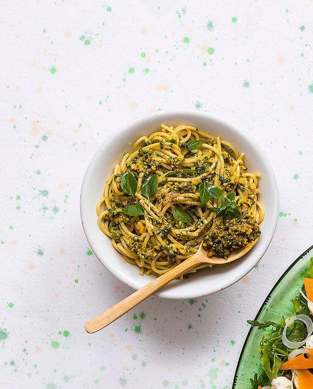 Spaghetti au pesto et à la mimolette