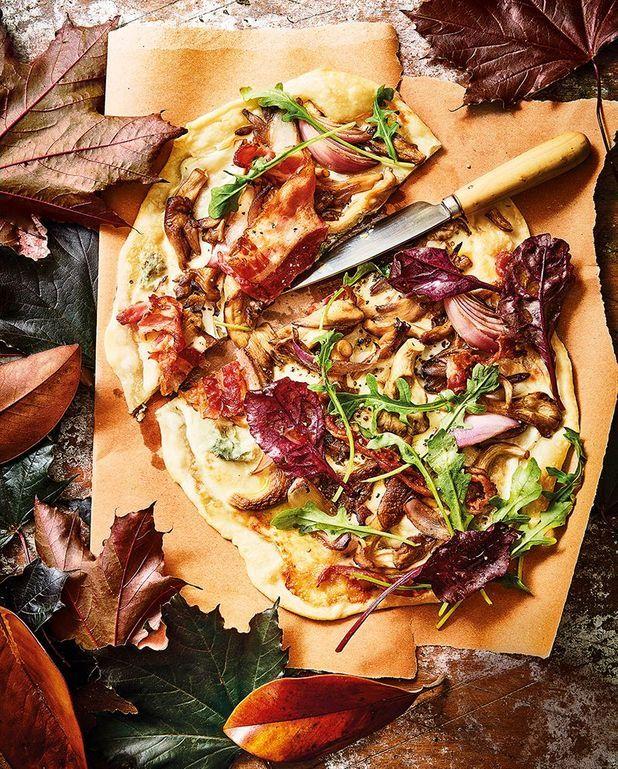 Tarte flambée aux pleurotes et gorgonzola