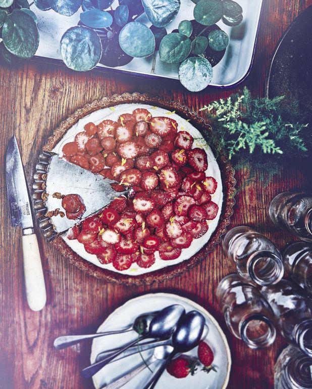 Tarte raw aux fraises sans gluten
