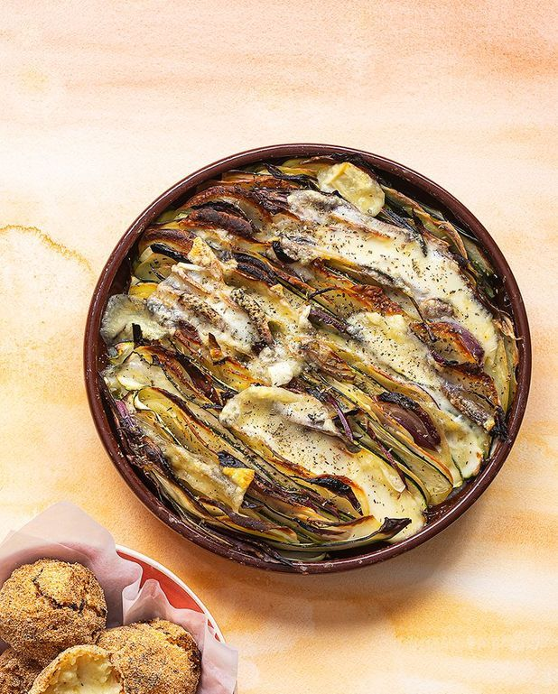 Tian de pommes de terre, courgettes, oignon et morbier