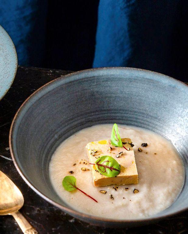 Velouté châtaigne-navet au foie gras