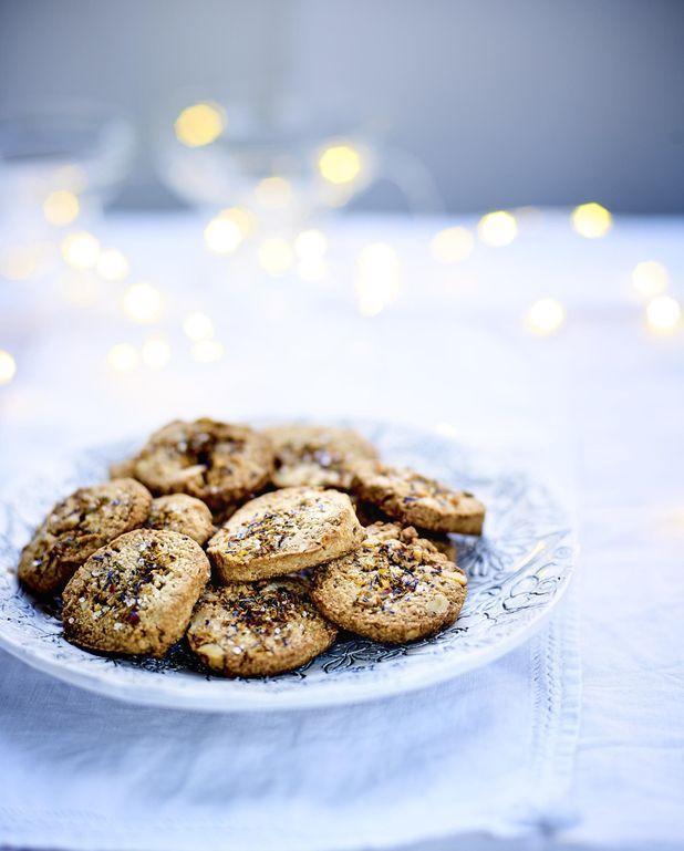Biscuits à la farine de châtaigne, aux noix et aux fleurs d'épices