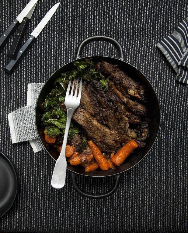 Brisket de fête aux légumes rôtis
