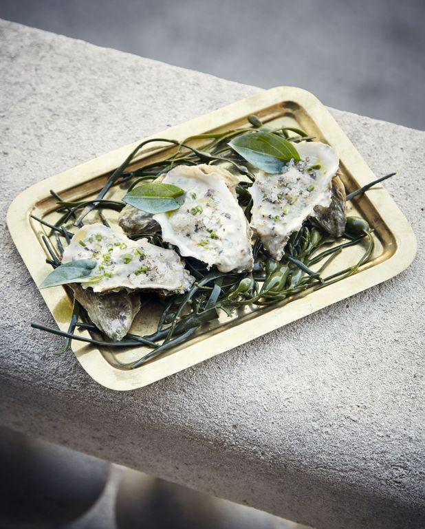 Huîtres concassées, granité algues et citron