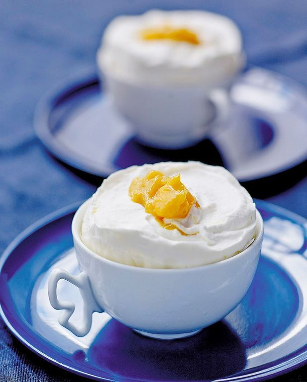 Soufflés glacés vanille-mangue