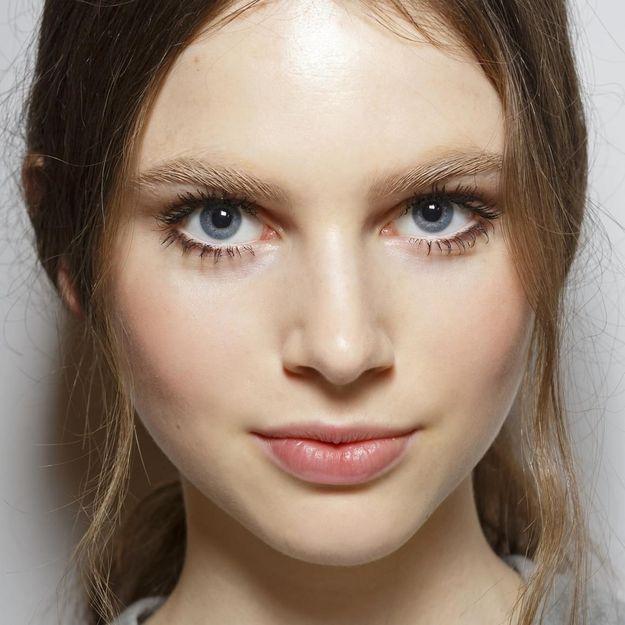 Et Maquillage Un Simple DiscretComment Facile Elle Faire 34qALRj5