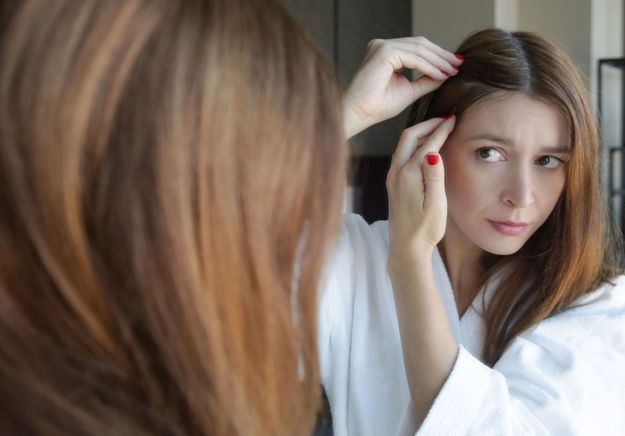Chute de cheveux post-Covid : trois conseils de spécialistes